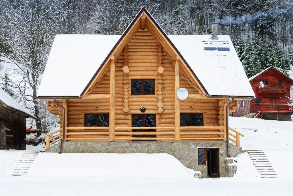 Cabana din barne de lemn